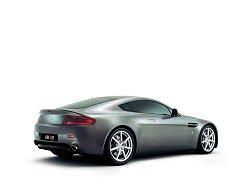 2005 Aston Martin V8 Vantage. Image by Aston Martin.
