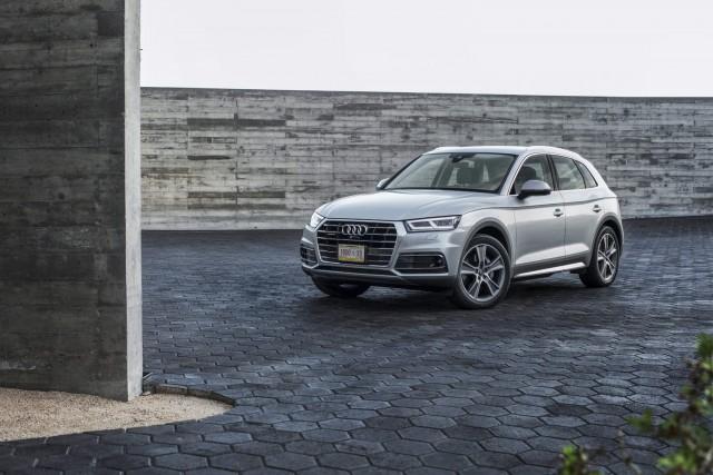 Audi reveals new Q5 in Paris. Image by Audi.