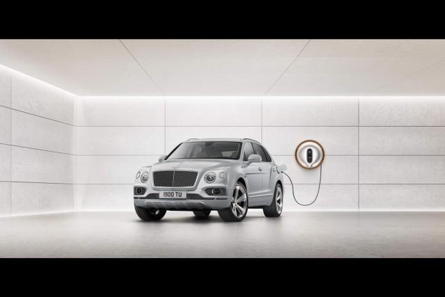 Bentley Bentayga goes Hybrid at Geneva. Image by Bentley.