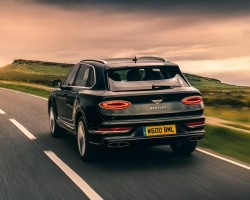 Bentley Bentayga V8 2020MY UK test. Image by Bentley.