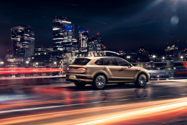 Bentley revises Bentayga Hybrid. Image by Bentley.
