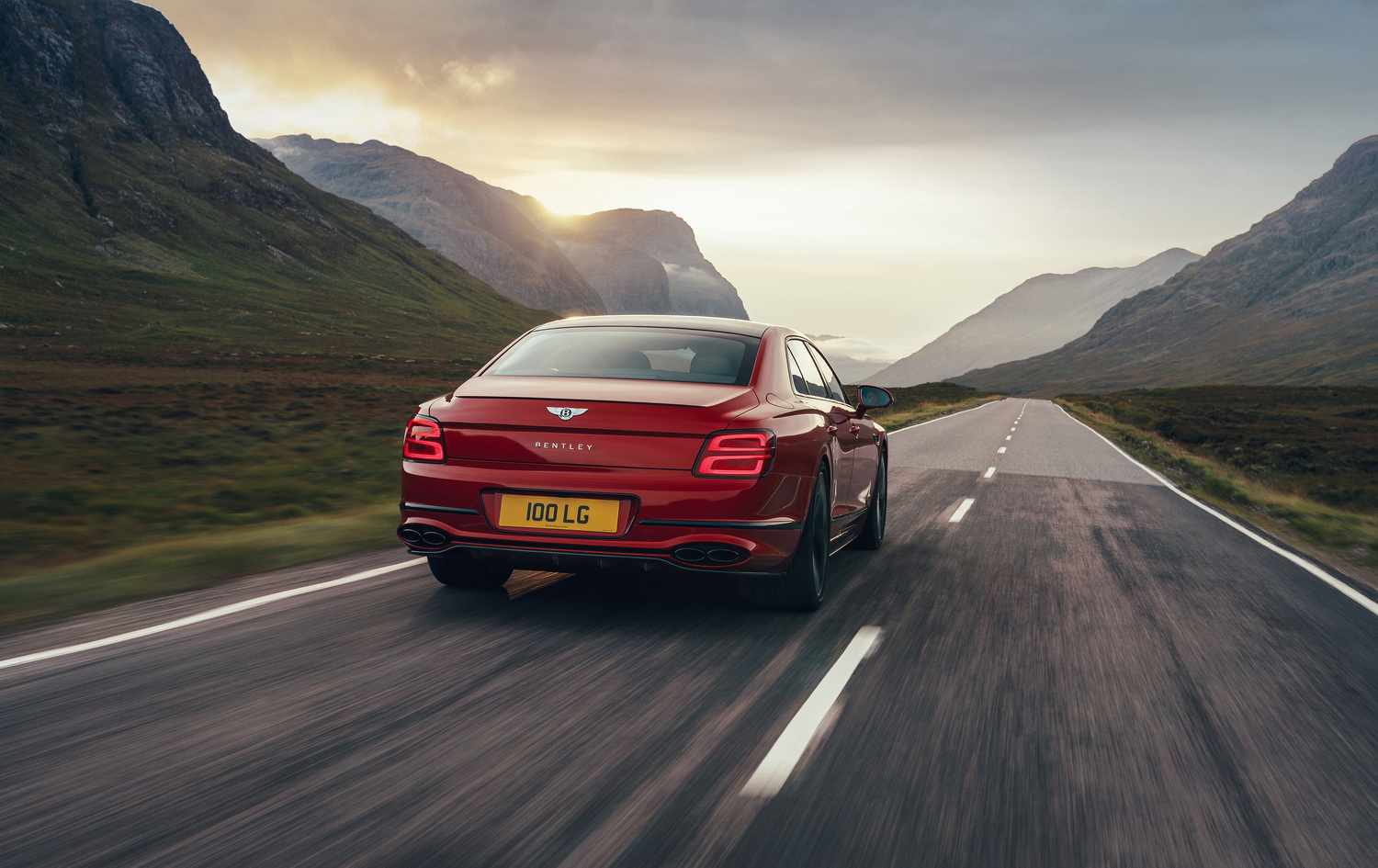 First drive: Bentley Flying Spur V8. Image by Bentley.