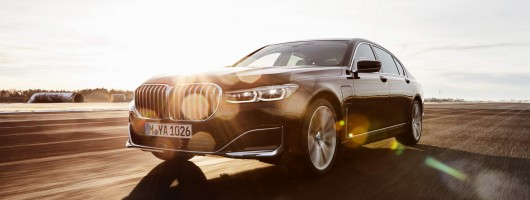 BMW's 7 Series PHEV makes 394hp. Image by BMW.