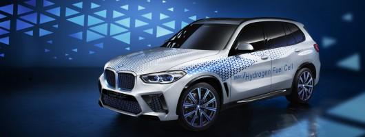 BMW previews X5 FCEV. Image by BMW.