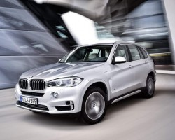 New hybrid BMW X5. Image by BMW.