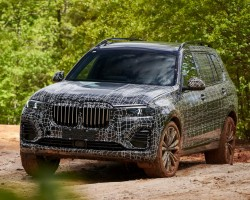 BMW X7 prototype. Image by BMW.