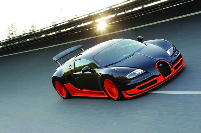 Bugatti Veyron Super Sport breaks speed record. Image by Bugatti.