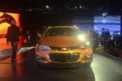 2016 Chevrolet Cruze. Image by Newspress.