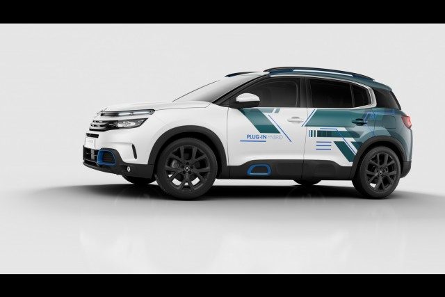 Citroen goes PHEV with C5 Aircross Concept. Image by Citroen.