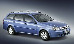 Geneva 2004: Daewoo Nubira Station Wagon debut. Image by GM Daewoo.