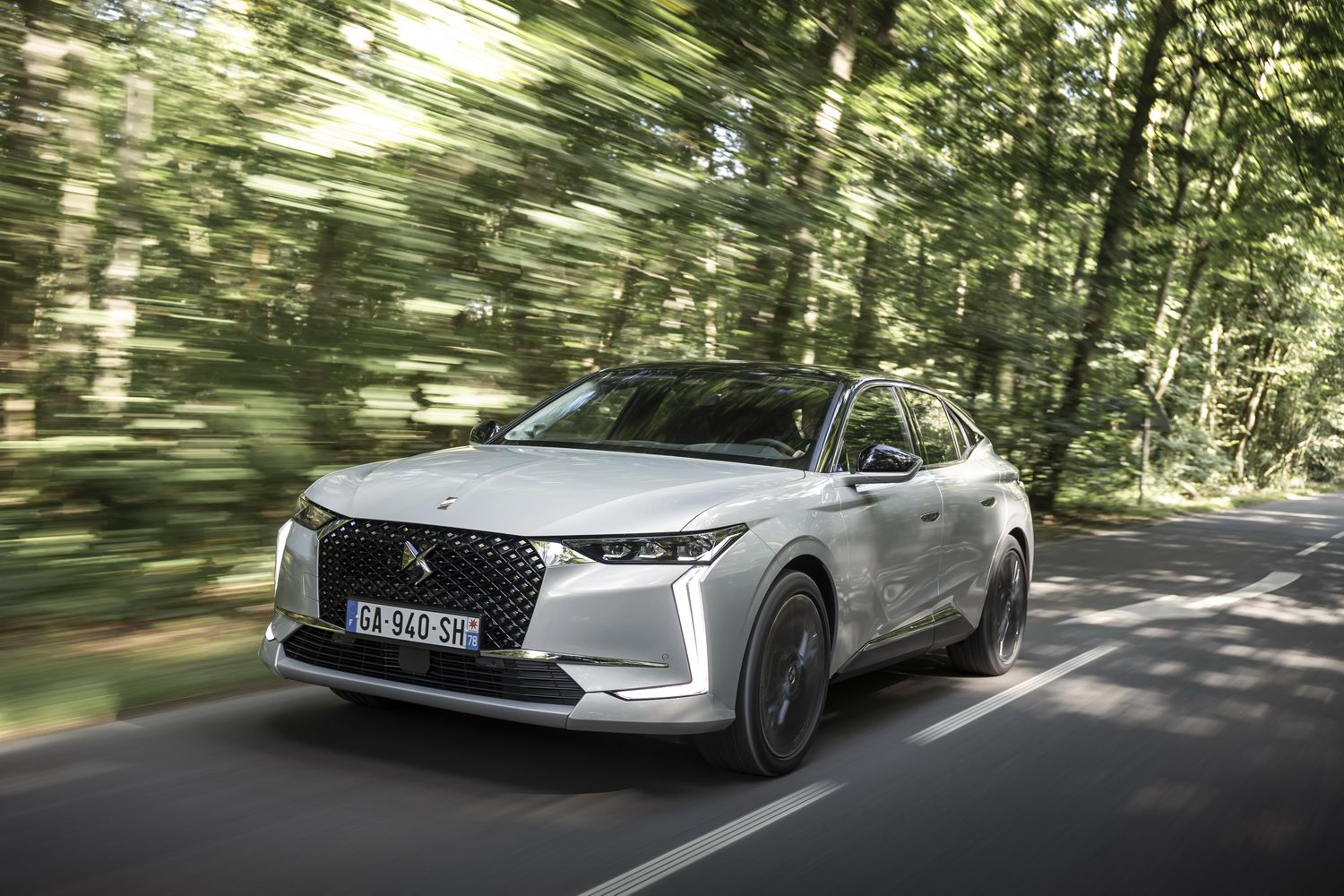 First drive: DS 4 E-Tense. Image by DS.