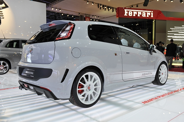 The Car Enthusiast Image Gallery 2011 Abarth Punto Evo