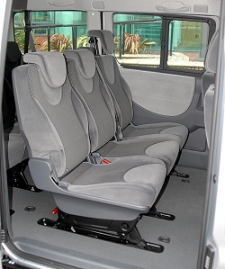 Does 2011 Ford Edge Rear Seat Fold Flat