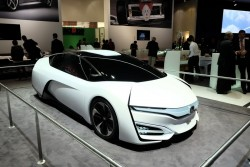 2014 Honda fuel cell concept. Image by Newspress.
