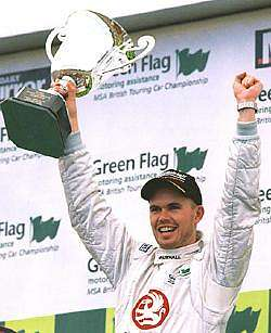 James Thompson won the Sprint and came third in the Feature, which was enough to secure the 2002 championship. Image by Kelvin Fagan. Click here for a larger image.