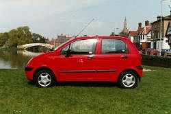 The 2002 Daewoo Matiz SE. Photograph by Kelvin Fagan. Click here for a larger image.