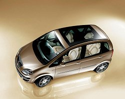 Geneva 2004: Lancia's new compact MPV is to be called the Musa. Image by Lancia.