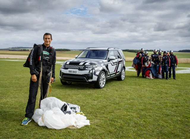 New Discovery shows off high-tech seats. Image by Land Rover.
