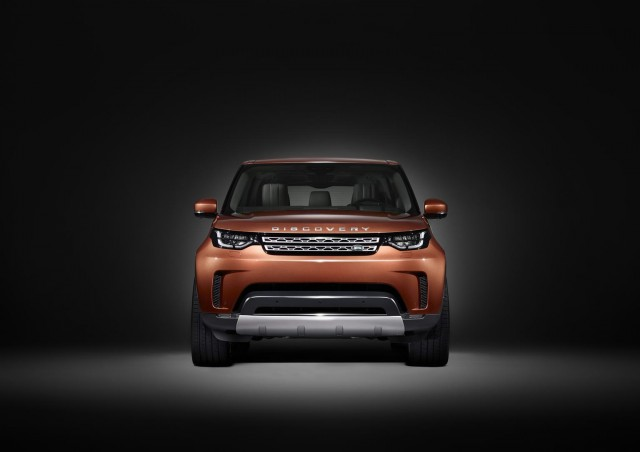 First look at 2017 Land Rover Discovery. Image by Land Rover.