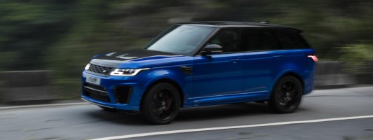 Range Rover Sport smashes Chinese hillclimb record. Image by Land Rover.