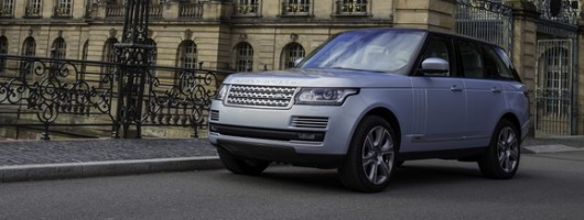 First drive: Range Rover Hybrid. Image by Land Rover.