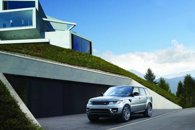 Range Rover Sport downsizes. Image by Land Rover.