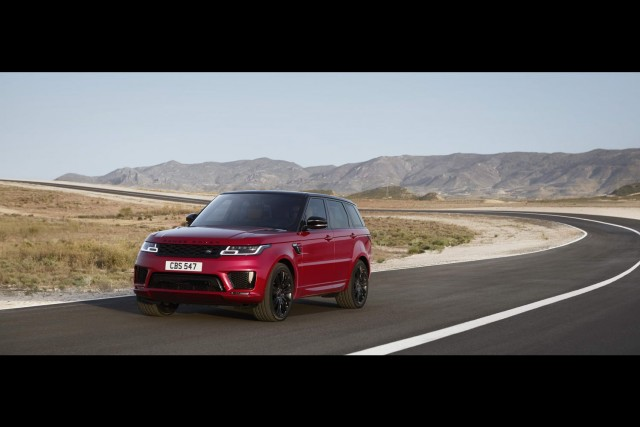 Hybrid model joins revised Range Rover Sport line-up. Image by Land Rover.