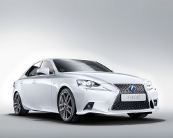 Incoming: Lexus IS 300h. Image by Lexus.