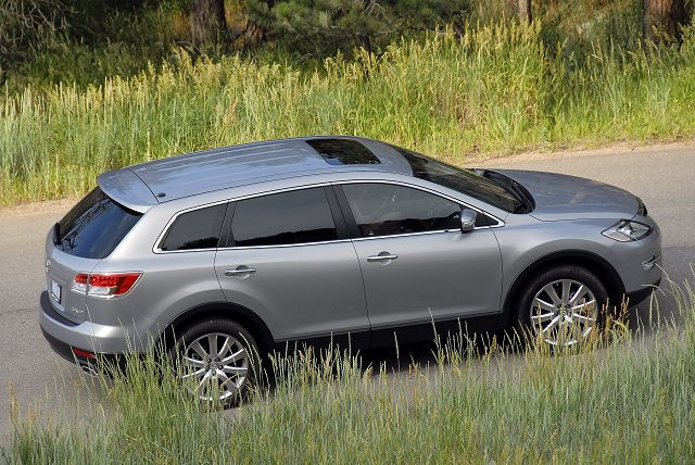 Mazda Hits Crossover Bulls-Eye in USA. Image by Paul Shippey.