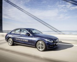2015 Mercedes-Benz C 350 Plug-In Hybrid. Image by Mercedes-Benz.