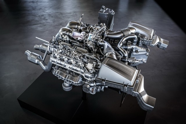 Merc lifts lid on M178 V8. Image by Mercedes-Benz.