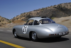 2010 Mercedes-Benz on the Panamericana. Image by Mercedes-Benz.