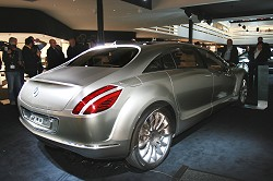 2007 Mercedes-Benz F700 concept. Image by Newspress.