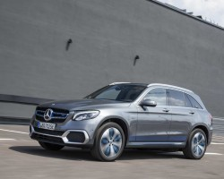 Fuel cell Merc GLC. Image by Mercedes-Benz.