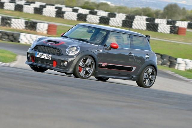 Track test: MINI John Cooper Works GP. Image by MINI.