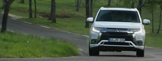 First drive: Mitsubishi Outlander PHEV 2019MY. Image by Mitsubishi.