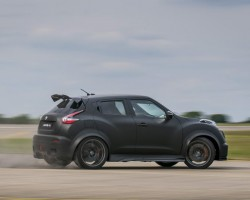 Incoming: Nissan Juke-R 2.0. Image by Nissan.