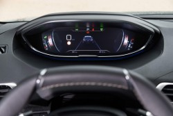 2017 Peugeot 5008. Image by Peugeot.