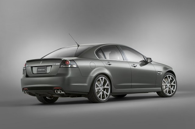 Pontiac shows new muscle-bound G8 saloon. Image by Pontiac.