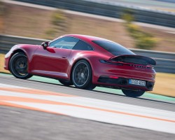 New 992-gen Porsche 911. Image by Porsche.