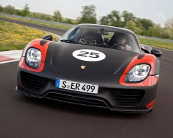 Porsche 918 specs and prices announced. Image by Porsche.