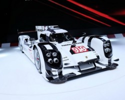2014 Porsche 919 debuts in Geneva. Image by Newspress.
