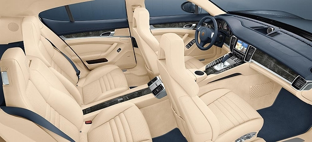 Panamera interior finally unveiled. Image by Porsche.