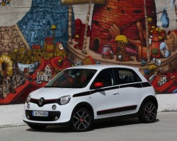 Rear-drive Renault Twingo. Image by Renault.