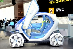 2009 Renault Twizy Z.E. concept. Image by United Pictures.