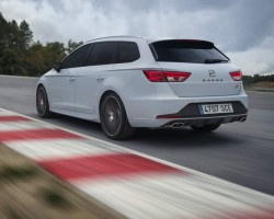 Incoming: SEAT Leon ST Cupra. Image by SEAT.
