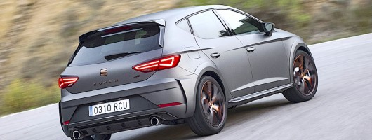 First drive: SEAT Leon Cupra R. Image by SEAT.