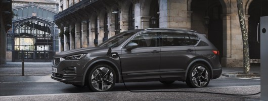 SEAT electrifies Tarraco for new PHEV. Image by SEAT.