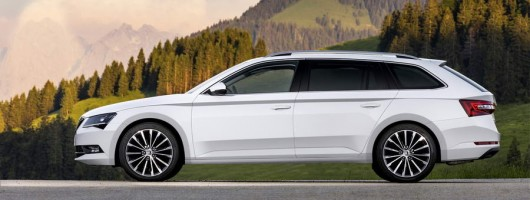 first drive skoda superb estate 2 0 tsi 280 4x4 dsg car reviews by car enthusiast. Black Bedroom Furniture Sets. Home Design Ideas