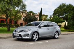 2013 Toyota Auris Touring Sports. Image by Toyota.
